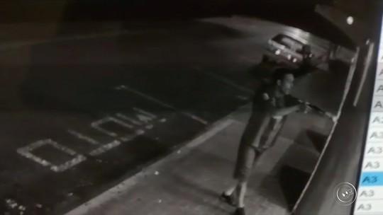 Vídeo mostra assalto em lanchonete no Centro de Cerquilho