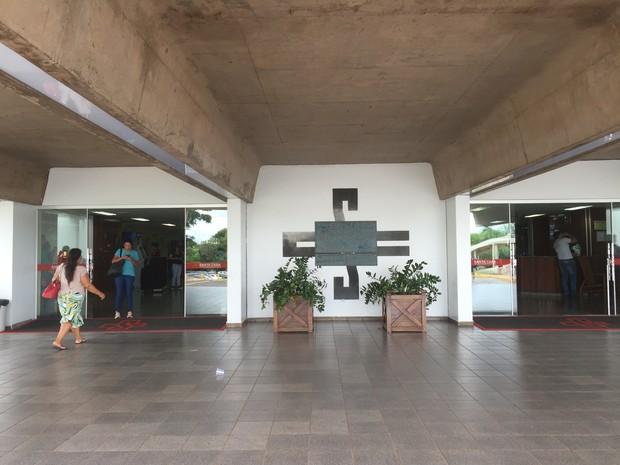 Menino teve alta no fim da manhã desta quarta-feira (9), da Santa Casa de Campo Grande (Foto: Gabriela Pavão/G1 MS)