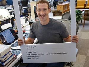 Mark Zuckerberg bloqueia webcam e microfone com fita, mostra foto
