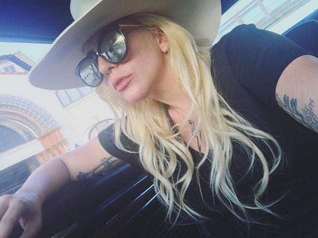 Lady Gaga chama a atenção por lábios volumosos (Foto: Instagram/ Reprodução)