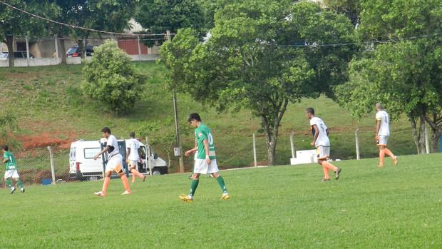 Jogo UEC X Bitim pelo Campeonato Mineiro Júnior (Foto: Caroline Aleixo/GLOBOESPORTE.COM)