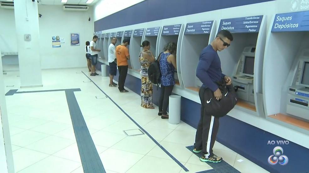 Caixa paga R$ 40 bilhões das contas inativas do FGTS