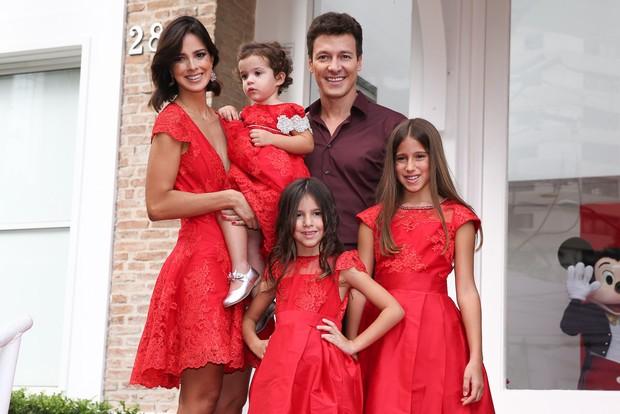 Rodrigo Faro e família (Foto: Manuela Scarpa e Marcos Ribas/ Photo Rio News)