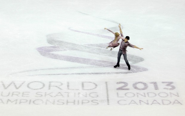 patinação no gelo Tatiana Volosozhar e Maxim Trankov ouro no Mundial (Foto: Reuters)