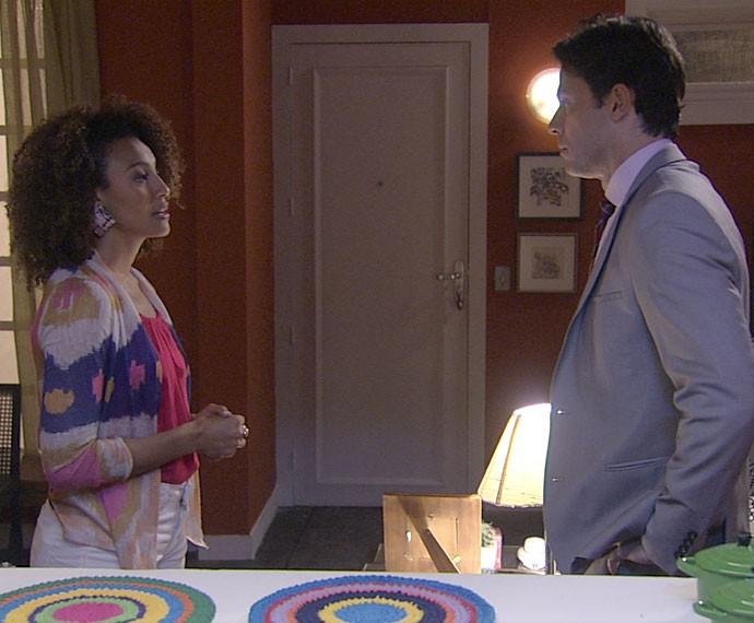 Sérgio garante a Paula que não vai desistir de Ivan (Foto: TV Globo)