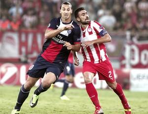Ibrahimovic jogo PSG contra Olympiakos (Foto: EFE)