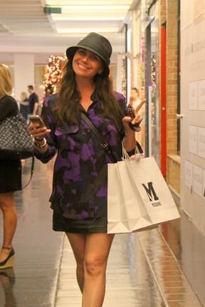 Giovanna Antonelli em shopping na Zona Sul do Rio (Foto: Daniel Delmiro/ Ag. News)