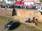 Carro cai no rio Campestre após colidir com outro veículo em Lins