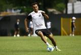 Thiago Ribeiro volta a treinar, e Enderson tem dúvida na zaga