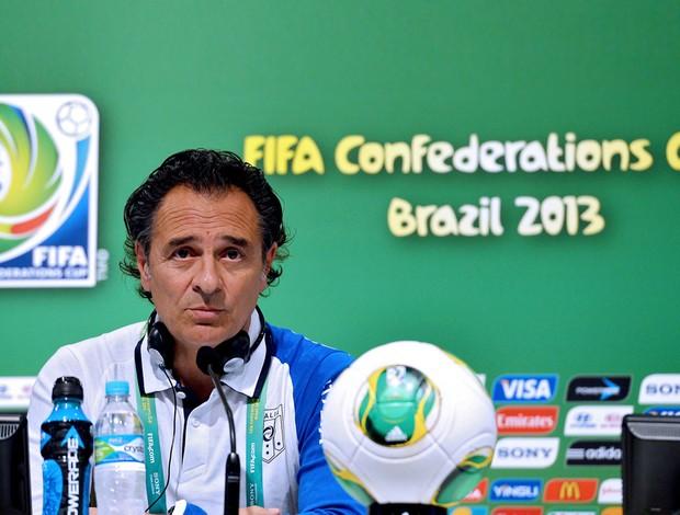 Prandelli coletiva Itália Copa das Confederações (Foto: AFP)