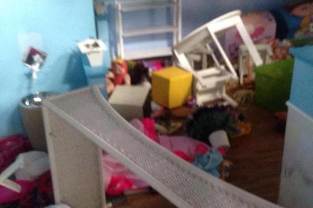 Registro compartilhado por Xuxa na web mostrando os danos em sua fundação (Foto: Reprodução/Instagram)