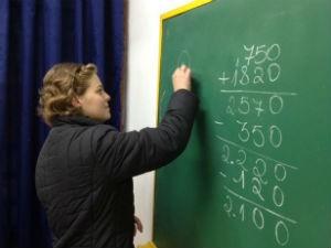 Professora impedida de dar aulas após câncer volta a lecionar no RS (Foto: Alexandre dos Santos/RBS TV)