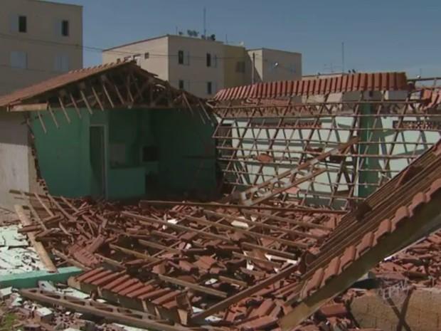 Salão de festas do condomínio após desabamento (Foto: Reprodução EPTV)