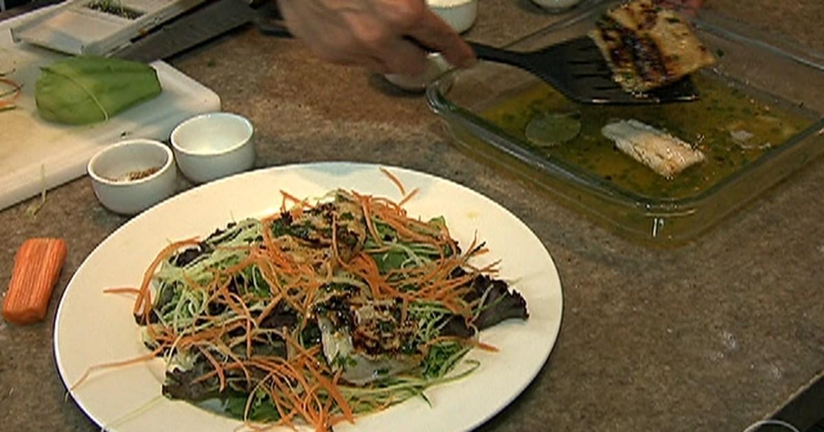 Chefe de cozinha ensina receitas para inovar no preparo de saladas