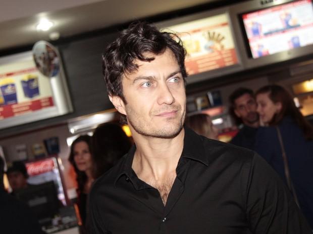 Gabriel Braga Nunes em pré-estreia no Rio (Foto: Isac Luz/ EGO)