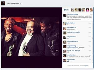 Alexandre Pires postou em sua conta no Instagram uma foto com Emílio Santiago (Foto: Reprodução)