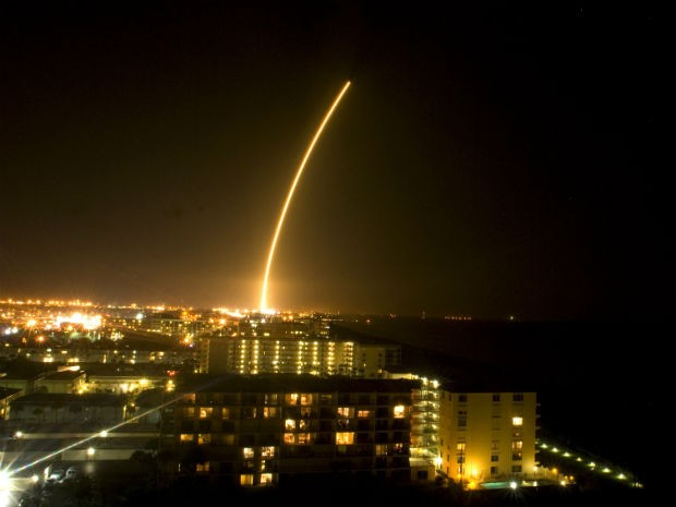 Foguete Atlas V da Nasa é lançado de Cape Canaveral (Foto: AP/Florida Today/Craig Bailey)