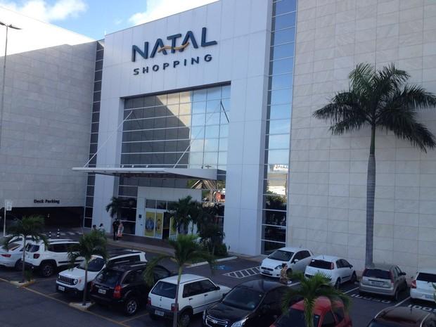 Joalheria roubada fica dentro do Natal Shopping, na Zona Sul de Natal (Foto: Victor Lyra/Inter TV Cabugi)