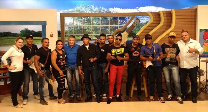 Banda Dalva agita o palco do É Bem Mato Grosso (Foto: Luana Daubian)