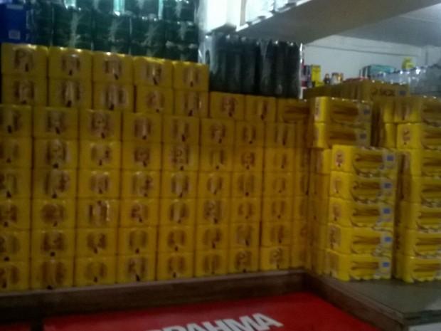 Seis mil lata de cervejas foram apreendidas (Foto: Divulgação / Sucom)