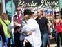 Christina Aguilera esconde a filha e só deixa o pé dela de fora