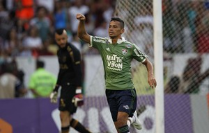 Cicero gol Fluminense x Figueirense (Foto: MÁRCIO MERCANTE - Agência Estado)