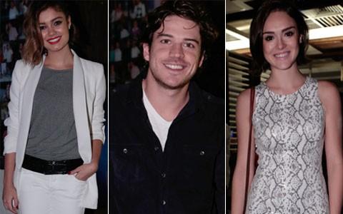 Elenco se reúne para assistir ao último capítulo (Sangue Bom / TV Globo)