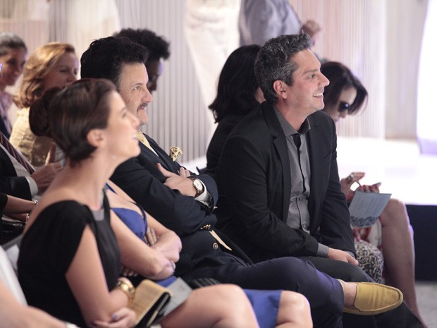 Nero, Calloni e Dani Moreno se divertem com Letícia Spiller (Foto: Salve Jorge/TV Globo)