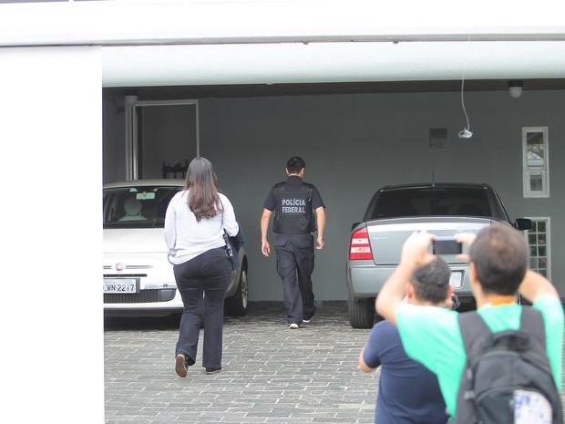 Mandado de busca e apreensão foi cumprido na casa da prefeita Dárcy Vera (PSD) (Foto: F.L.Piton/Jornal A Cidade)