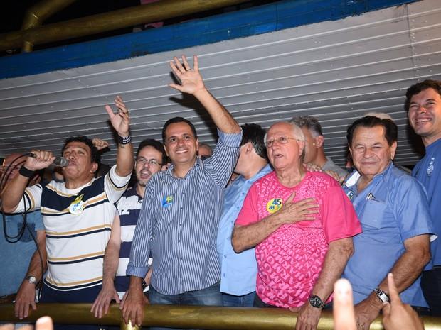Max Filho comemora Vitória em Vila Velha  (Foto: Fernando Madeira/ A Gazeta)