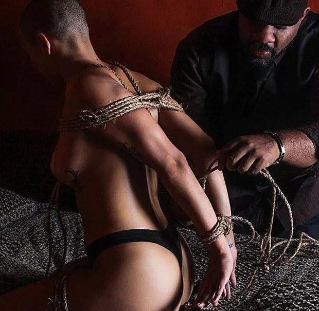 Orpheus Black amarra mulher com usando técnica de bondage (Foto: Reprodução/Instagram Orpheus Black)