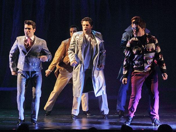 O espetáculo conta com seis cantores-atores e quatro bailarinos-cantores (Foto: Divulgação)