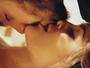 Cenas quentes marcam novo clipe de Luan Santana, 'Acordando o Prédio'