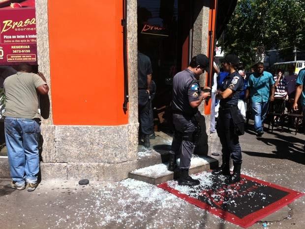 Restaurante assaltado na Tijuca (Foto: Janaína Carvalho/G1)