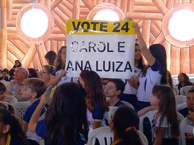 Estudantes também promoveram uma campanha eleitoral de brincadeira (Foto: Reprodução/Inter TV Cabugi)