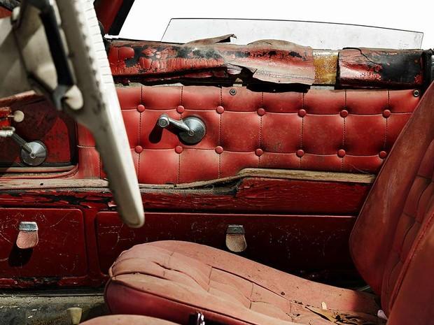 Carro estava em péssimas condições quando foi identificado em 2007 (Foto: Divulgação/BMW)