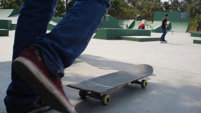 Pista de Skate no Parque da Ilha em Divinópolis, MG (Foto: Cleber Corrêa)