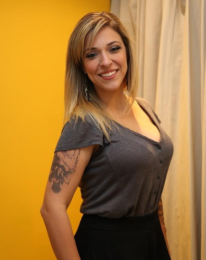 Júlia Rabello fez 27 tatuagens para viver Úrsula, em 'A Regra do Jogo' (Foto: Carol Caminha/Gshow)