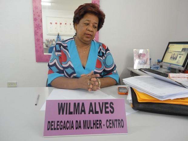 Delegada titular da Delegacia da Mulher, Vilma Alves, diz que homens agem com machismo (Foto: Patrícia Andrade/G1)