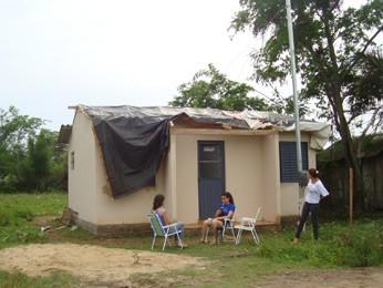 Casa destelhada após vendaval em Cacequi, RS (Foto: Rute Lied, divulgação/Defesa Civil)