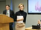Look do dia: Emma Watson usa roupa feita com materiais sustentáveis