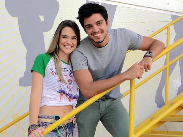 Juliana Paiva e Rodrigo Simas vivem casal polêmico na trama teen (Foto: Malhação  / TV Globo)