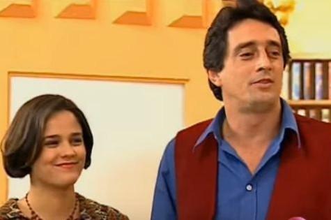 Paula Sanioto em cena com Eduardo Galvão em 'Caça talentos' (Foto: Reprodução)