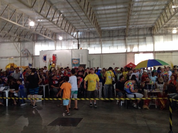Apuração começou às 18h em Joinville (Foto: Kleber Pizzamiglio/ RBS TV)