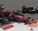 """Kvyat dá dois """"totós"""" em Vettel, que se choca contra muro e abandona corrida"""