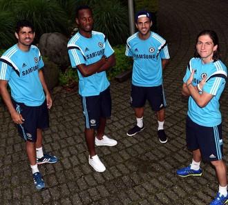 Drogba,Diego Costa, Filipes Luiz e Fábregas Chelsea (Foto: Reprodução/Facebook)