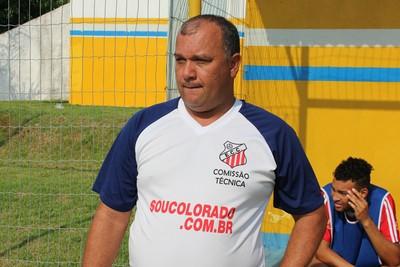 Técnico Mauro Marino, do Comercial-MS (Foto: Hélder Rafael)