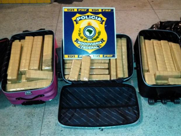 Droga apreendida no RN seria levada para Pernambuco (Foto: PRF/Divulgação)