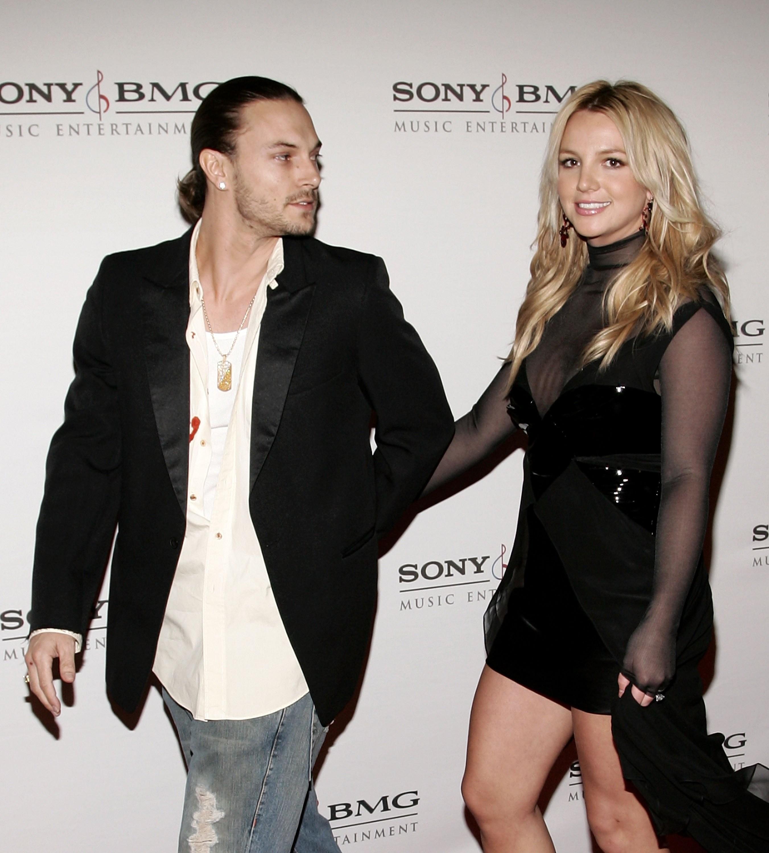 Não somente Kevin Federline descobriu que sua ex-mulher Britney Spears estava assinando os papéis via mensagem de texto, como o momento dessa descoberta foi gravado em vídeo para um reality show. (Foto: Getty Images)