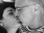 Pedro Bial é paparicado pela mulher no aniversário: 'O mais amado'